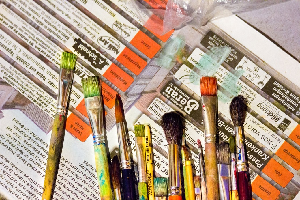 brush-1595265_1280